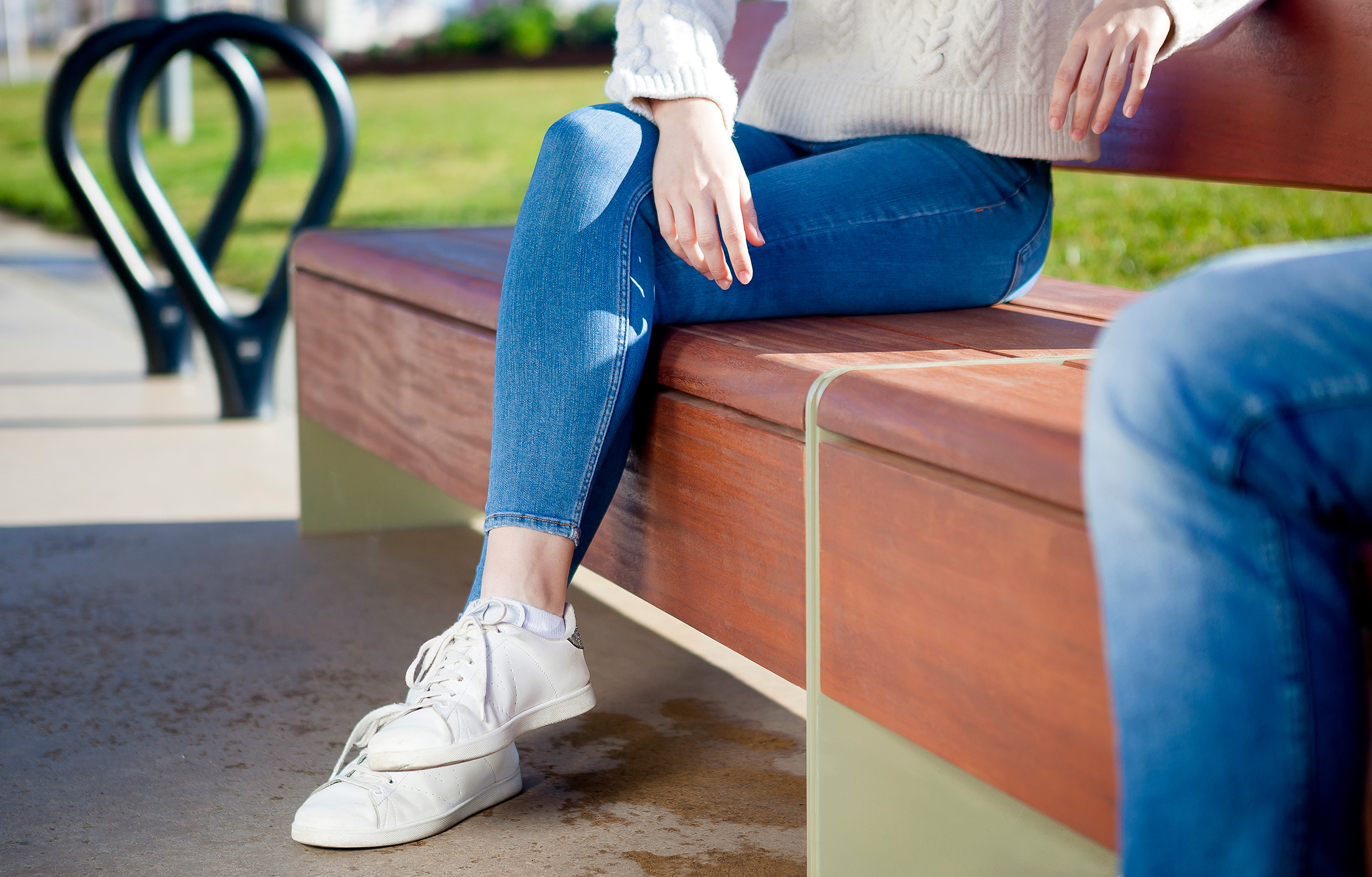 Bru bench. a wooden bench for parks and hospitalities