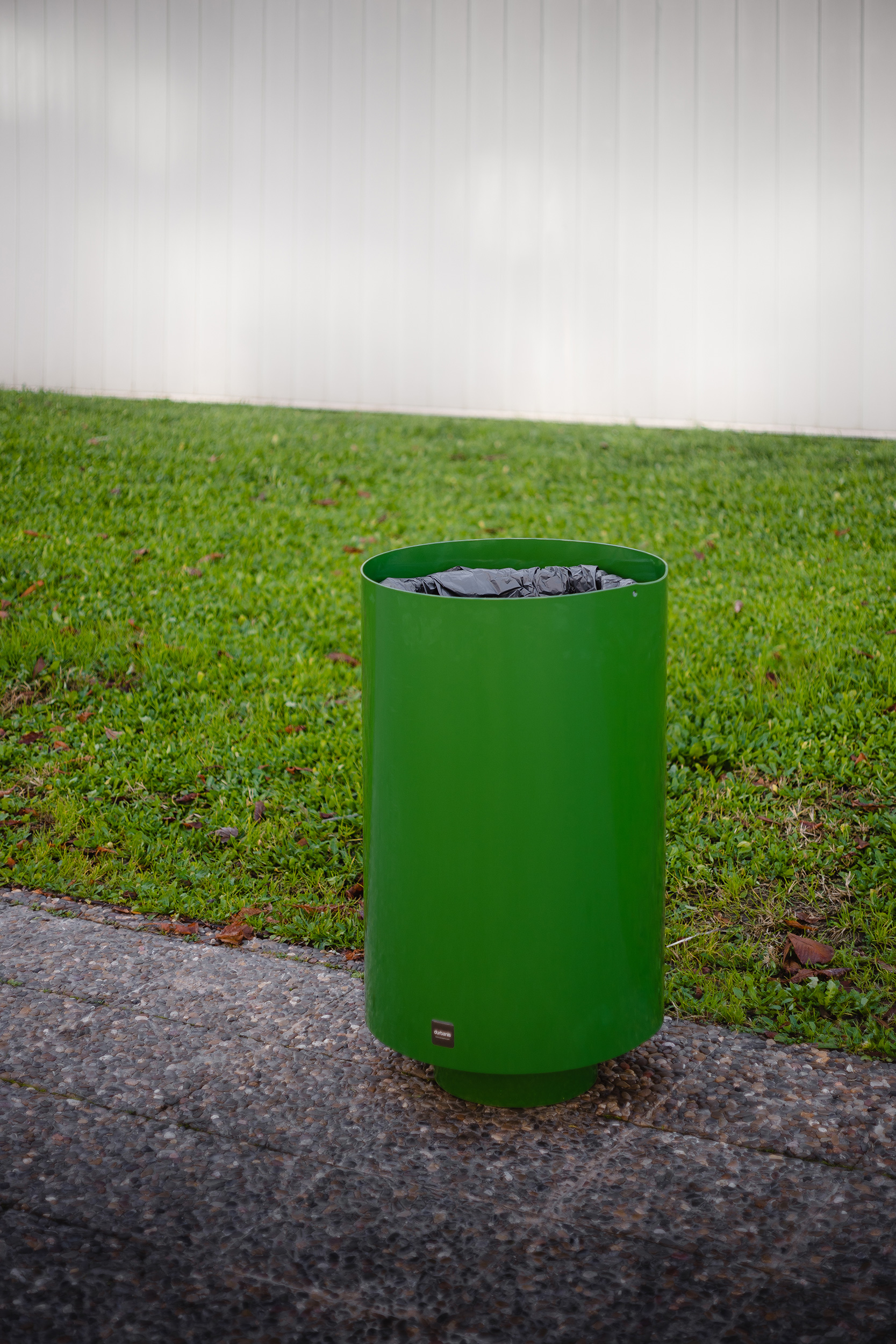 Green metal paperbin by Durbanis