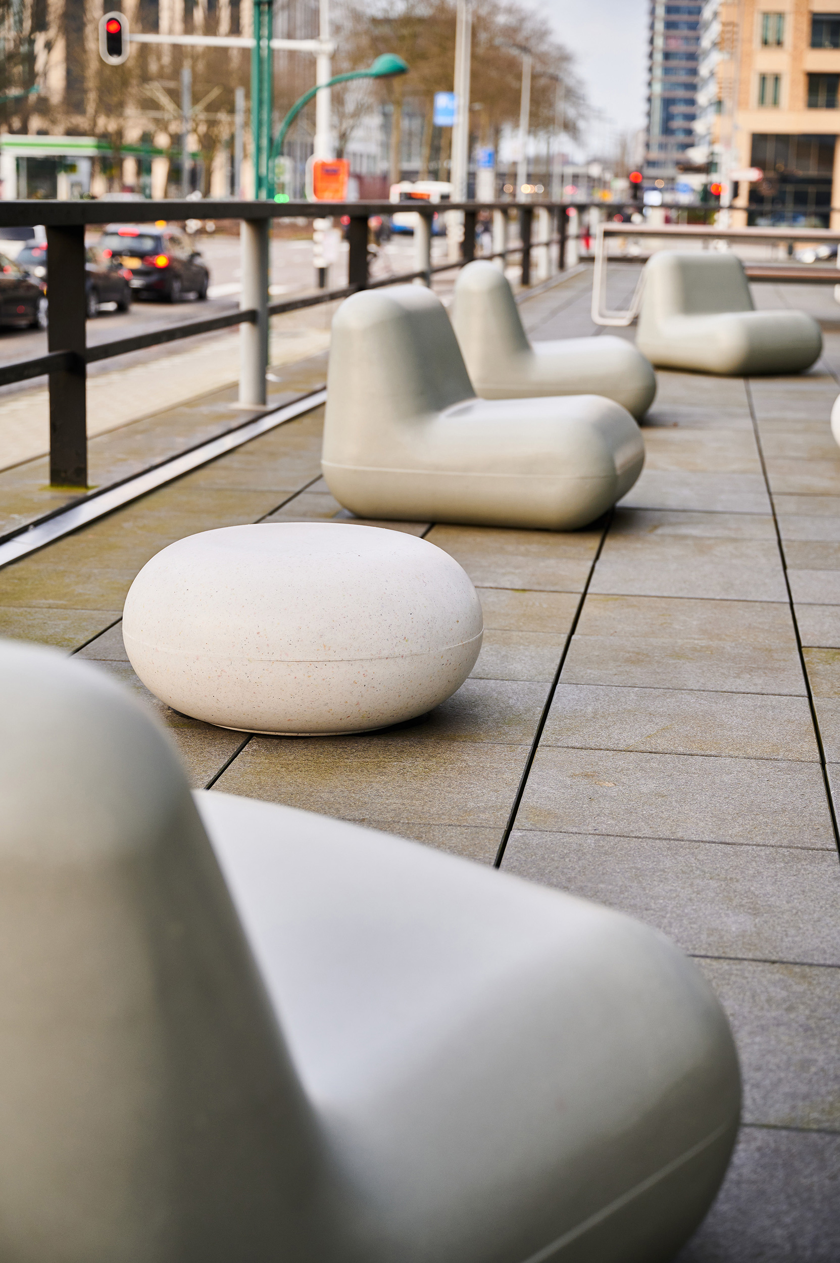 Plastic chairs and poufs in recovered plastic from packaging waste