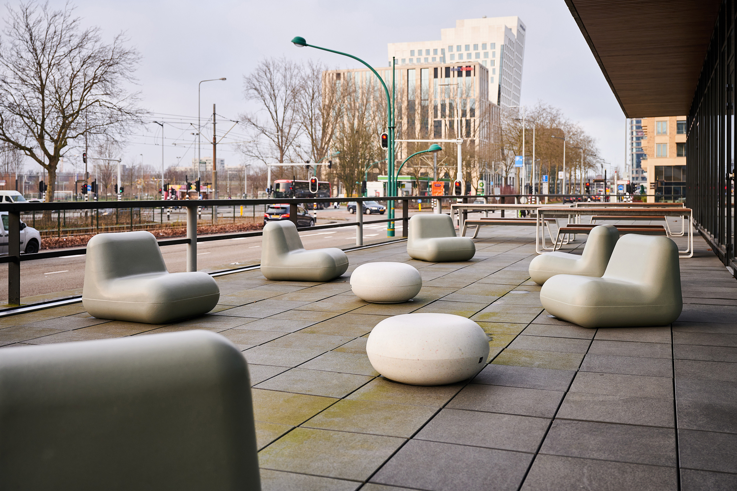 Offices in Zuidas neighbourhood in Amsterdam, furnished with recycled plastic seats.